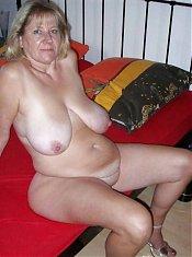Alte hausfrauen nackte Reife geile
